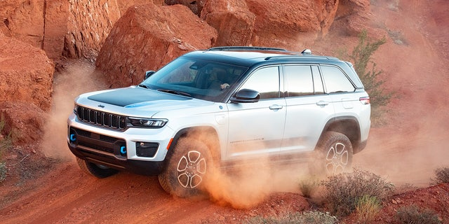 The Grand Cherokee Trailhawk 4xe is Trail Rated.