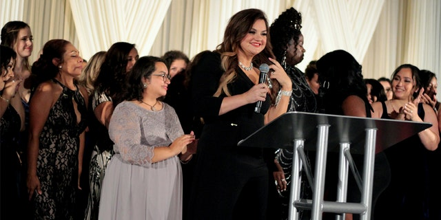Abby Johnson speaks at the Quitters Ball.