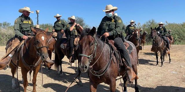 Border Patrol agents on horseback. (Fox News/Bill Melugin)
