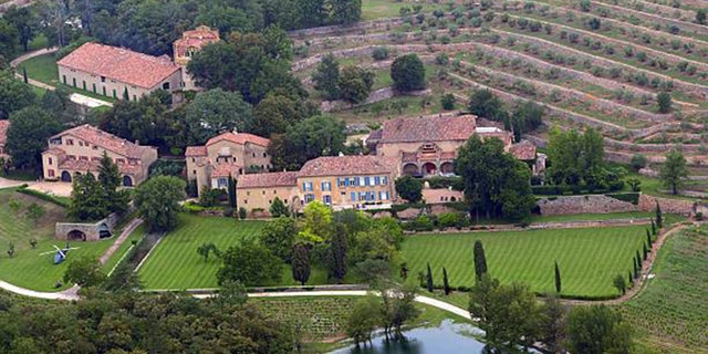 An aerial view taken on May 31, 2008 in Le Val, southeastern France, shows the Chateau Miraval, a vineyard estate owned by US businessman Tom Bove. US actors Brad Pitt and Angelina Jolie are relocating to the chateau, a local official told AFP. AFP PHOTO MICHEL GANGNE    (Photo credit should read MICHEL GANGNE/AFP via Getty Images)