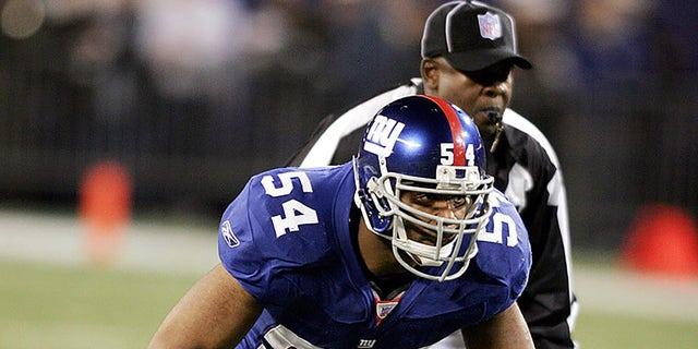 Cầu thủ lót đường số 54 của New York Giants Brandon Short được nhìn thấy trong trận đấu với Philadelphia Eagles tại Sân vận động Giants ở East Rutherford, New Jersey, ngày 17 tháng 12 năm 2006 (Thư viện ảnh NFL)
