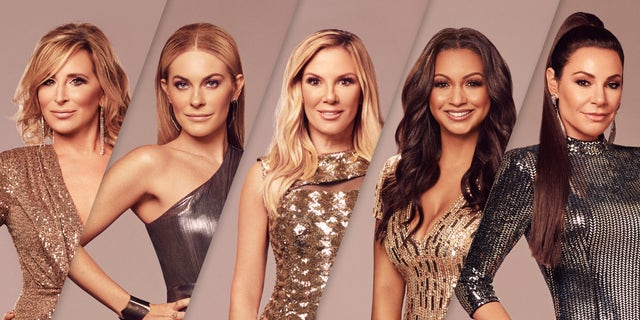 'The Real Housewives of New York City' -- Temporada:13 -- Pictured: (l-r) Sonja Morgan, Leah McSweeney, Ramona Singer, Eboni K. Williams, Luann de Lesseps.
