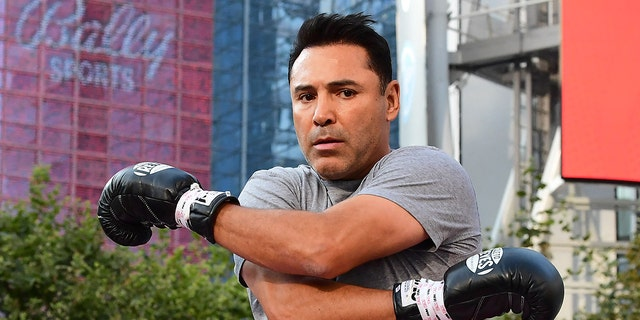 Former US Olympics Gold medalist professional boxer Oscar De La Hoya stretches before sparring with his partner during a media workout in Los Angeles, California on August 24, 2021. (Photo by Frederic J. BROWN / AFP) (Photo by FREDERIC J. BROWN/AFP via Getty Images)