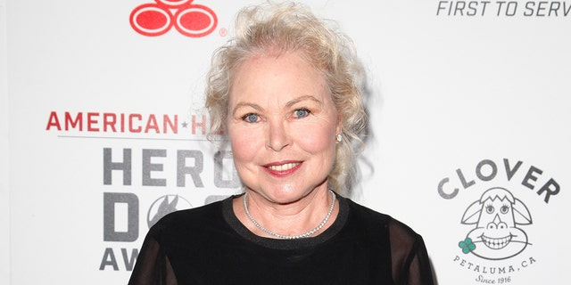 Recording artist Michelle Phillips of the Mamas &アンプ; the Papas attends the Sixth Annual American Humane Association Hero Dog Awards at The Beverly Hilton Hotel on September 10, 2016 in Beverly Hills, カリフォルニア.