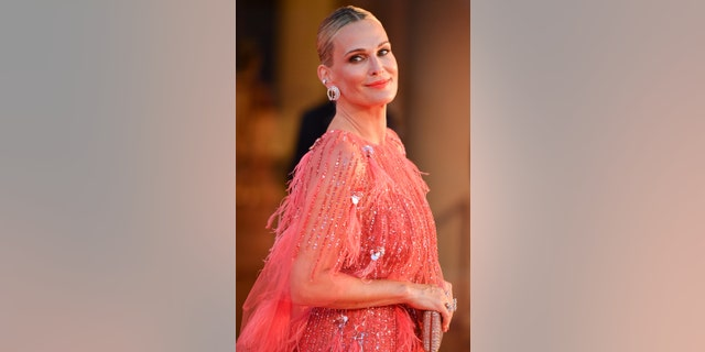 Molly Sims attends the red carpet of the movie 'The Hand Of God' during the 78th Venice International Film Festival on September 02, 2021 in Venice, Italië.