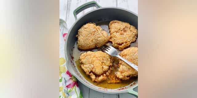 Debi Morgan recommends using boneless chicken breasts for this recipe, which includes flour and spices.