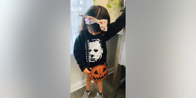 4-year-old runs to Michael Myers at her birthday party