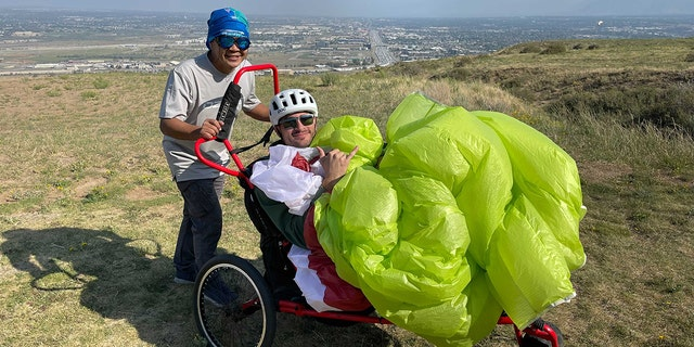 Brenden Doyle trains to paraglide on his own with Project Airtime