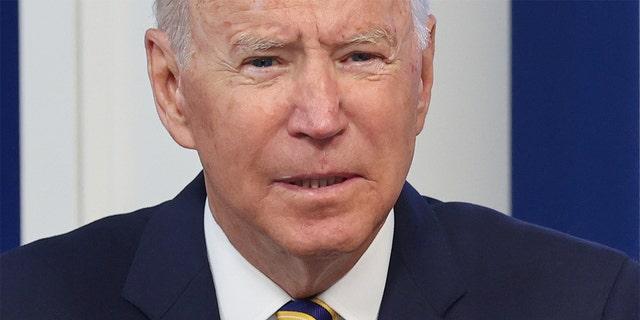 El presidente de los Estados Unidos, Joe Biden, asiste a una reunión del Foro sobre el clima y la energía de las principales economías (MEF) sobre el cambio climático, desde un auditorio de la Casa Blanca en Washington, el 17 de septiembre de 2021. REUTERS / Jonathan Ernst