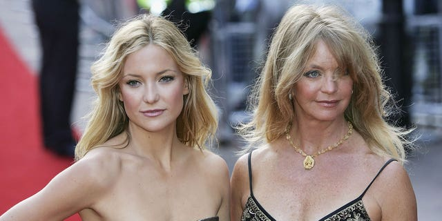 Kate Hudson and Goldie Hawn arrive at the UK Premiere of 'Skeleton Key' at Vue West End on July 20, 2005 in London, England.