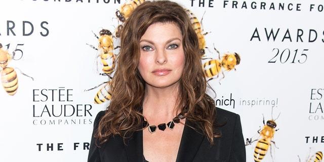 Model Linda Evangelista says she was left deformed by a cosmetic procedure.