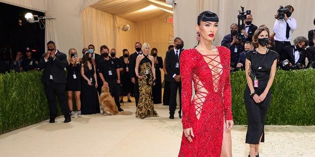 Megan Fox attends The 2021 Met Gala Celebrating In America: A Lexicon Of Fashion at Metropolitan Museum of Art on September 13, 2021 En nueva york.
