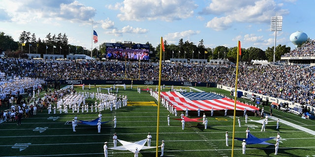 Navy's marching band performs at halftime during an NCAA college football game between Navy and Air Force, 星期六, 九月. 11, 2021, in Annapolis, d. (AP Photo/Terrance Williams)