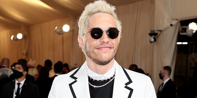 Pete Davidson wore an ensemble designed by Thom Ford with Fred Leighton jewelry.