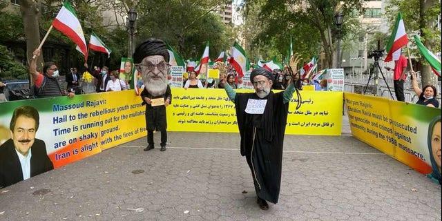 Sept. 21, 2021: A protest outside the U.N. against Iranian President Ebrahim Raisi. (OIAC)