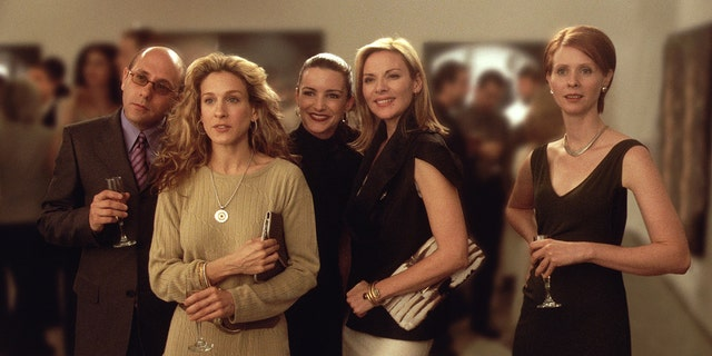 (L-R) Willie Garson Stars as Stanford, Sarah Jessica Parker as Carrie, Kristian Davis as Charlotte, Kim Cattrall as Samantha, and Cynthia Nixon Stars as Miranda in 'Sex And The City.'