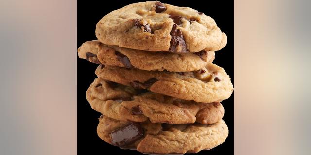 Desde el lunes 20 de septiembre hasta el miércoles 22 de septiembre, Insomnia Cookies proporcionará a los maestros seis paquetes gratuitos en honor a la temporada escolar.  La oferta estará disponible para los profesores que tengan una identificación de trabajo válida.