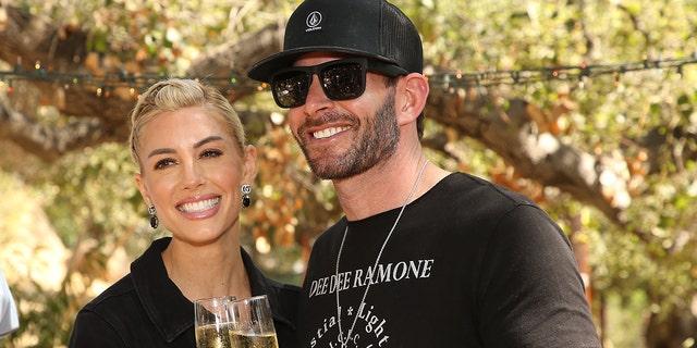 Tarek El Moussa, à droite, aurait comparé son ex-wiidfe, Christina Haack, à sa fiancée actuelle, Heather Rae Young, à gauche, lors d'une dispute sur le tournage de