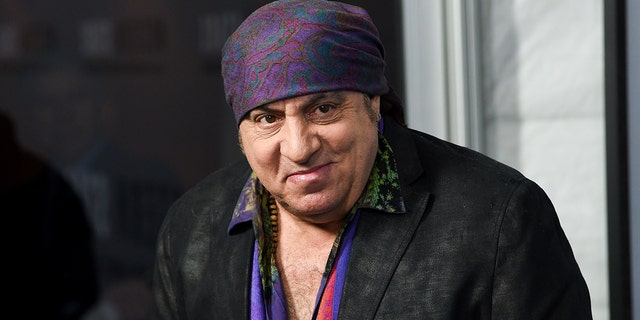 Steven Van Zandt revealed that he was nearly cast in the lead role of 'The Sopranos' before HBO insisted a more experienced actor take the part.