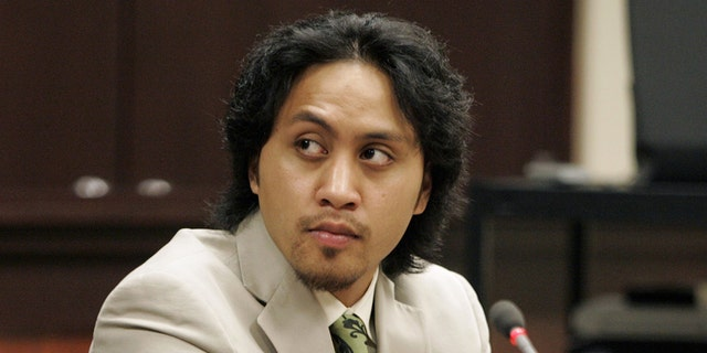 Vili Fualaau appears in court in SeaTac, Washington, April 3, 2006 for a hearing to determine if he is to stand trial on a drunken driving charge. (Photo by Ron Wurzer/Getty Images)