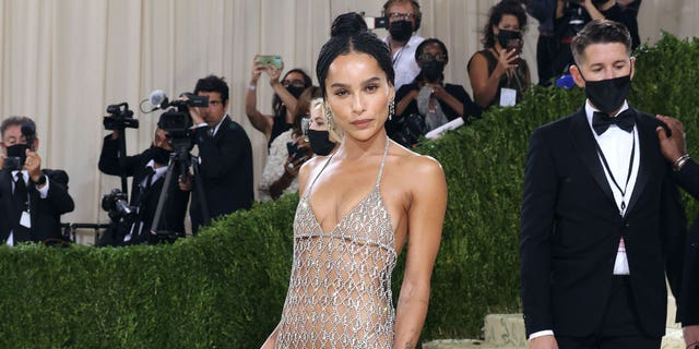 Zoe Kravitz attends the 2021 Met Gala benefit 'In America: A Lexicon of Fashion' at Metropolitan Museum of Art on September 13, 2021 在纽约市.