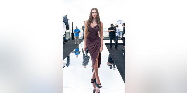 Amelia Hamlin attends the DUNDAS x REVOLVE NYFW Fashion Show at Casa Cipriani at Casa Cipriani on September 08, 2021 in New York City.