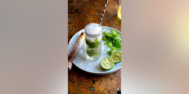 """The """"Easy and Refreshing Mojito"""" from the food blog ¡Hola! Jalapeño is the perfect way to celebrate the unofficial end of summer."""