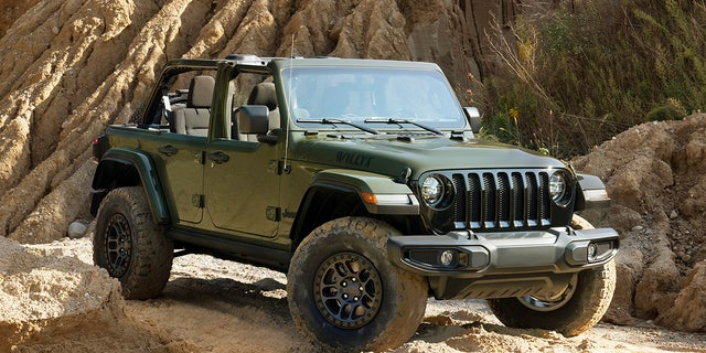The Wrangler Willys with Xtreme Recon Package features 35-inch tires.