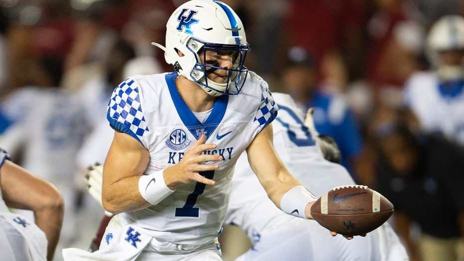 Kentucky has the weapons to beat Florida, but the offense must be better