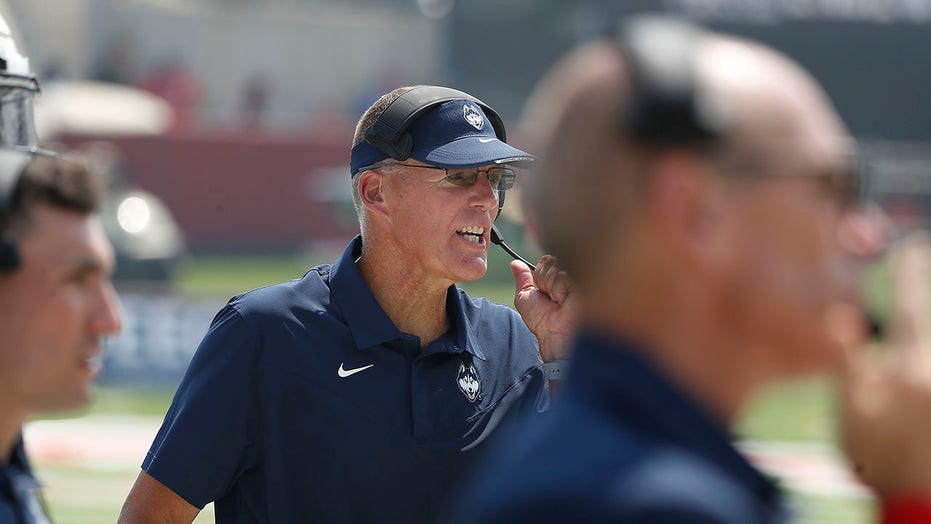 UConn football has lifeless response to coach trying to fire them up