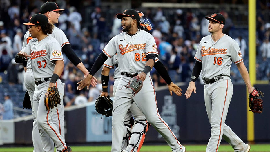 Sánchez 2 人力资源, 6 打点, but Yanks blow lead, fall to O's 8-7
