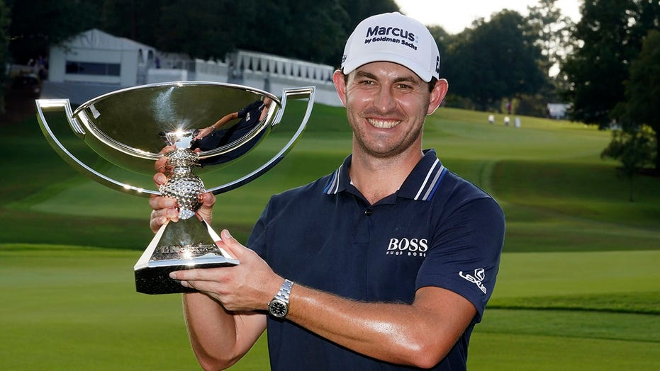 Cantlay delivers another clutch moment to win FedEx Cup