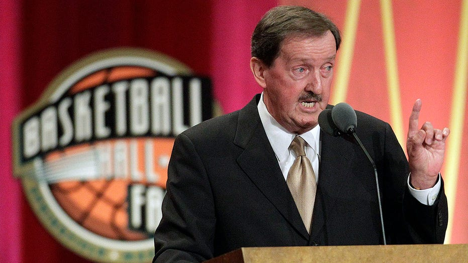 1,000-game winner, Hall of Fame coach Magee ready to retire