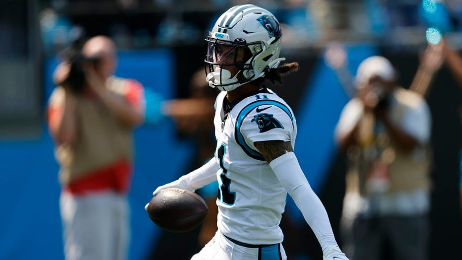 Panthers' Sam Darnold, Robby Anderson connect for 57-yard TD in revenge game vs. Jets