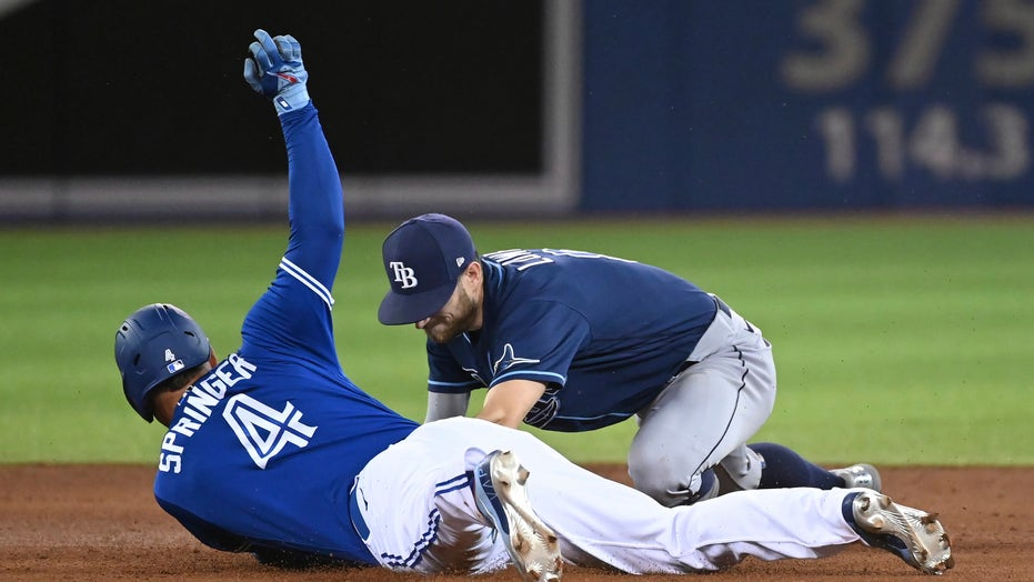 Choi and Lowe HR, Rays beat Jays 2-0 to reach 90-win mark