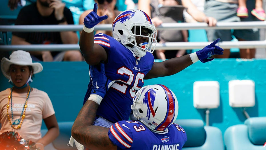 Bills knock out Tua, roll past Dolphins yet again, win 35-0