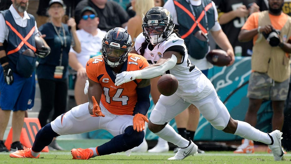 Sutton's career day helps Broncos beat woeful Jaguars 23-13