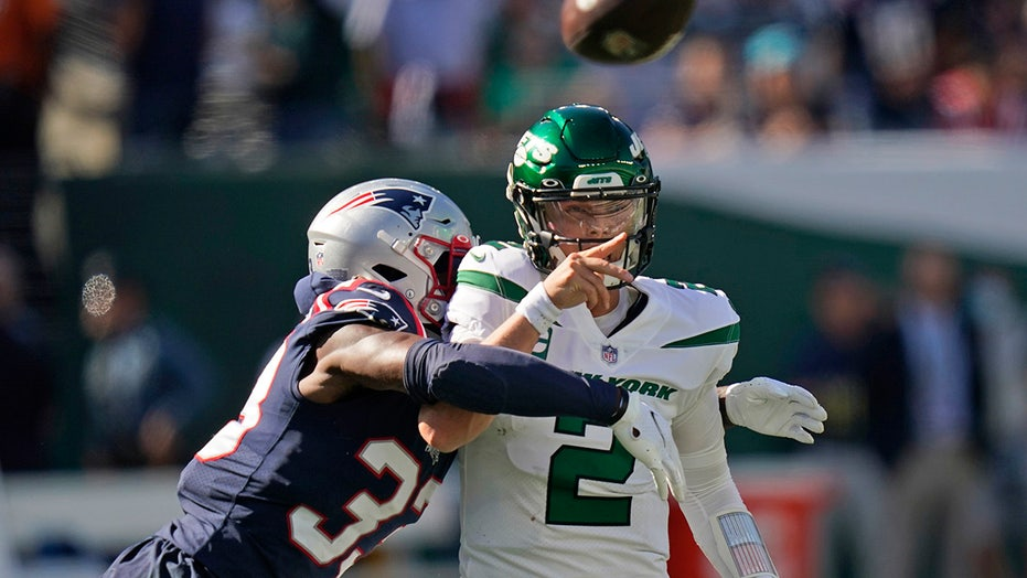 Zach Wilson doesn't blame Jets fans for booing during 4-interception game: 'They should be'