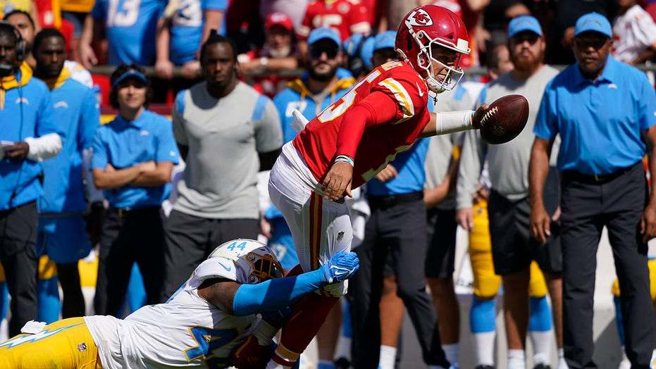 Patrick Mahomes reaches another historic milestone, but Chiefs fall to Chargers in AFC West showdown
