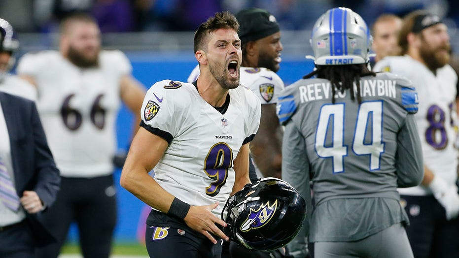 Ravens' Justin Tucker nails NFL-record field goal as time expires in win vs. Lions