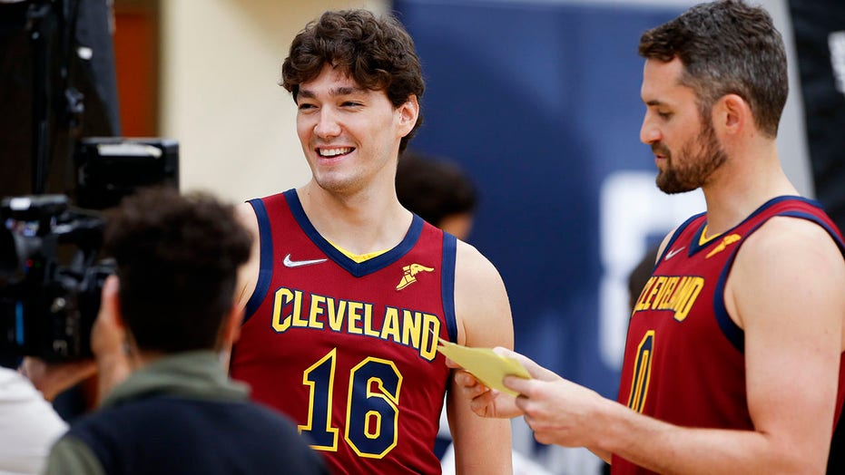Love, Cavaliers looking forward as training camp opens