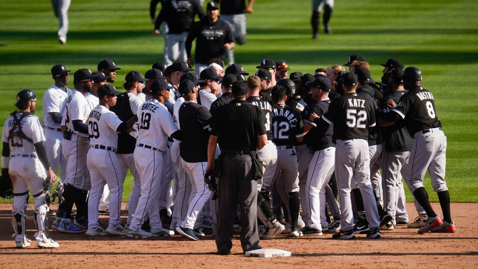 White Sox hold off Tigers with 8-7 win after benches clear