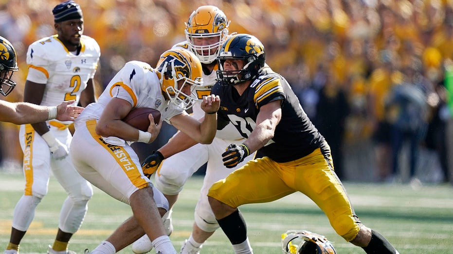 Self-made LB Jack Campbell reaches new heights with Hawkeyes