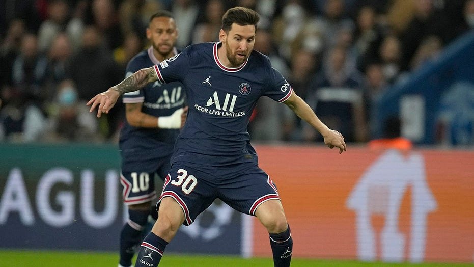 Lionel Messi scores first goal for Paris Saint-Germain in Champions League victory over Manchester City