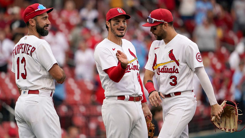 Rookie Carlson homers twice, Cardinals beat Brewers 4-3