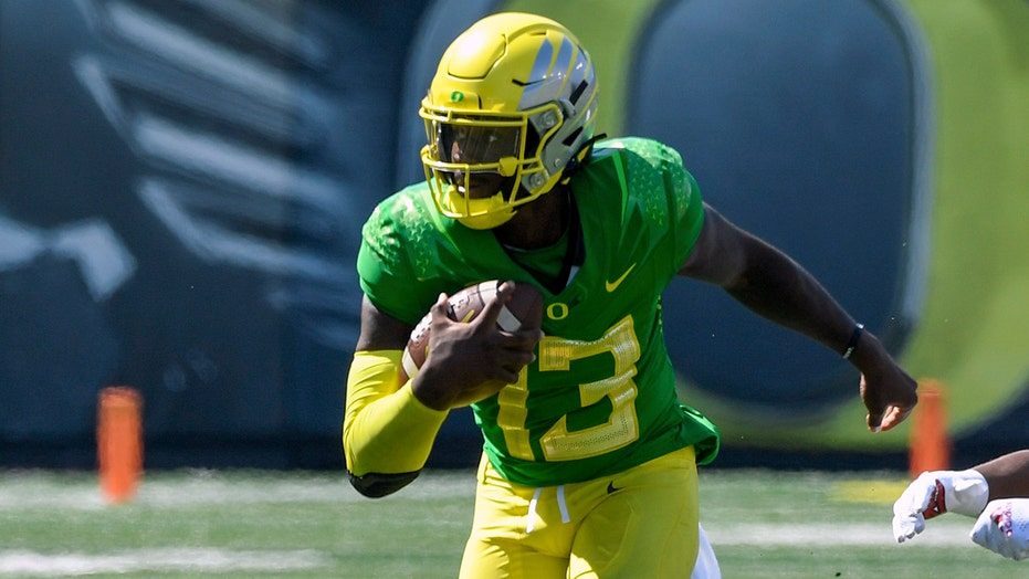Brown's keeper gives No. 11 Oregon 31-24 win over Fresno St.