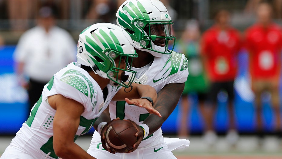 Starting 11: Oregon serves notice Ducks are for real