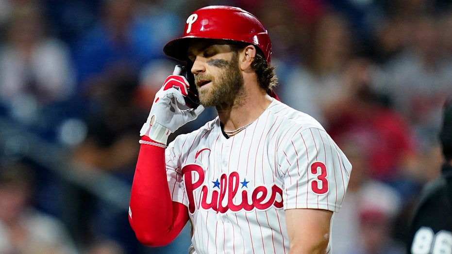 Phillies' NL East-chase hindered in 2-0 loss to 100-loss O's