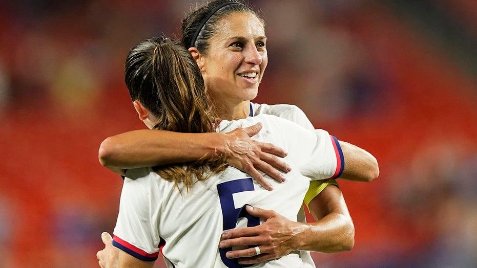 Carli Lloyd, US women's soccer dominate Paraguay as star's career winds down