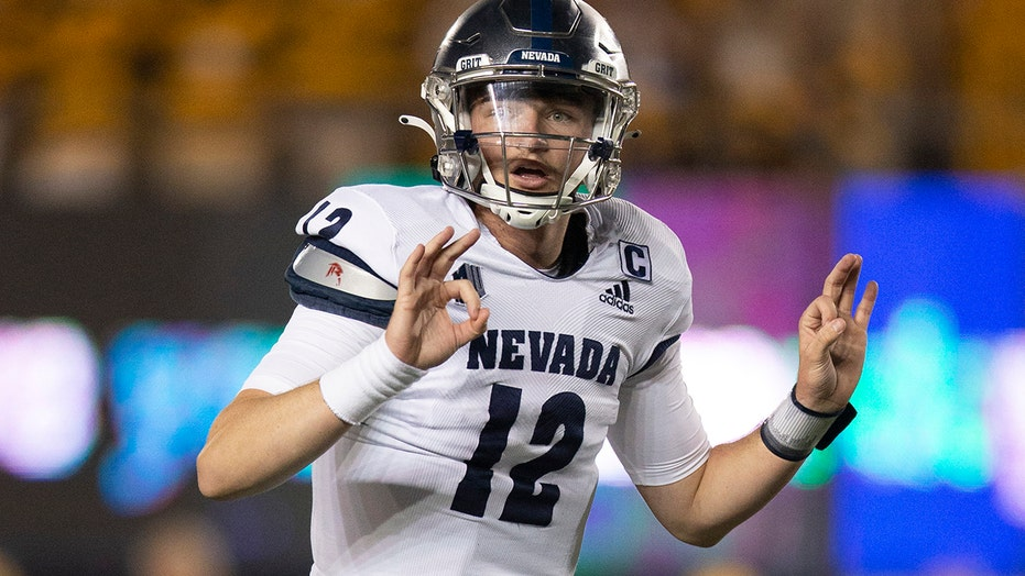Strong's 2 TD passes lead Nevada past Cal 22-17